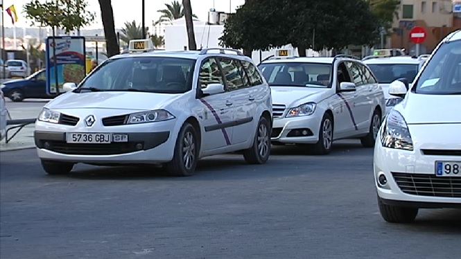 El+Consell+d%27Eivissa+vol+regular+el+funcionament+del+taxi+a+tota+l%27illa+creant+un+reglament+%C3%BAnic