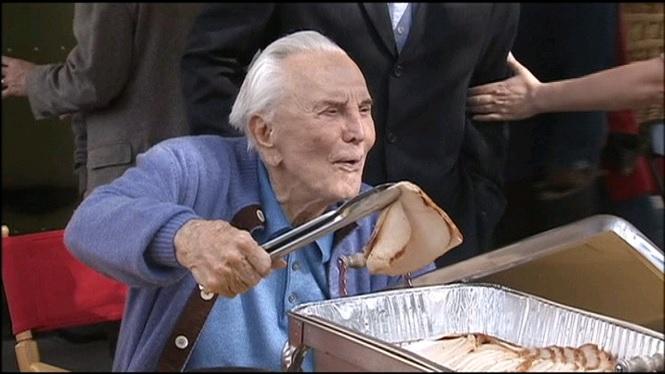El+m%C3%ADtic+actor+Kirk+Douglas+fa+102+anys