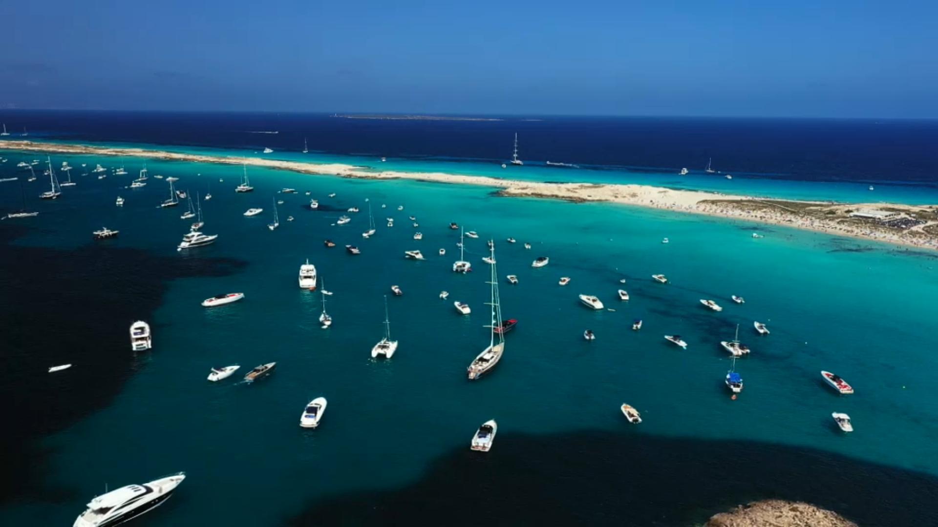 Massificaci%C3%B3+i+accidents+entre+Formentera+i+Eivissa%3A+regulaci%C3%B3+de+velocitat+o+interessos+comercials%3F