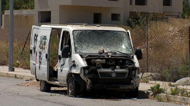 Queixes+pels+nombrosos+vehicles+abandonats+a+Sant+Josep