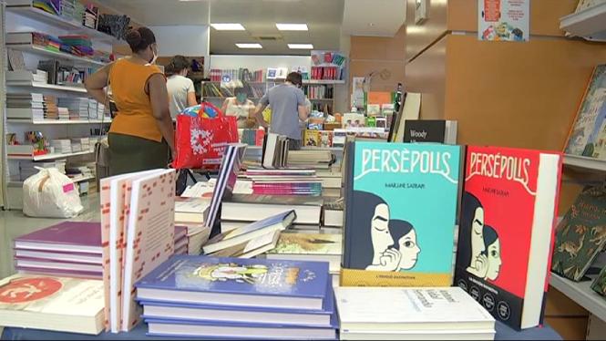 Les+llibreries+surten+avui+al+carrer
