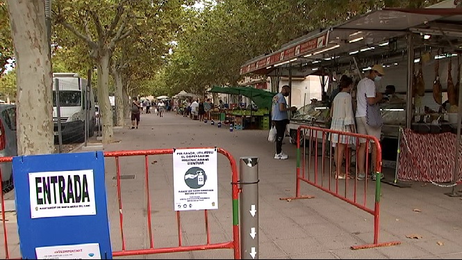 Darrer+diumenge+de+mercat+a+Santa+Maria+del+Cam%C3%AD