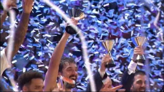 Llull+lidera+el+Madrid+cap+al+t%C3%ADtol+de+la+Supercopa+ACB