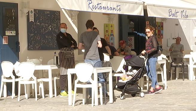 Els+negocis+de+Dalt+Vila%2C+a+l%27espera+dels+turistes