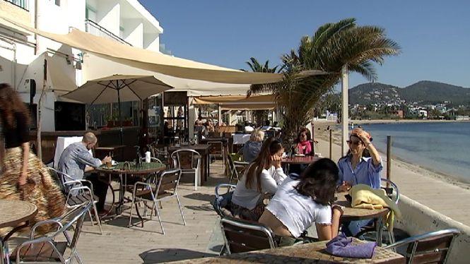 Setmana+Santa+amb+bona+aflu%C3%A8ncia+de+clientela+a+les+zones+de+platja+a+Eivissa