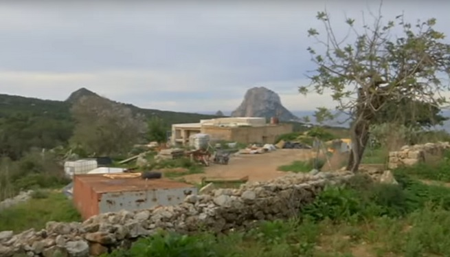 Sant+Josep+revoca+el+seu+pronunciament+favorable+sobre+l%27hotel+rural+de+Cala+d%27Hort