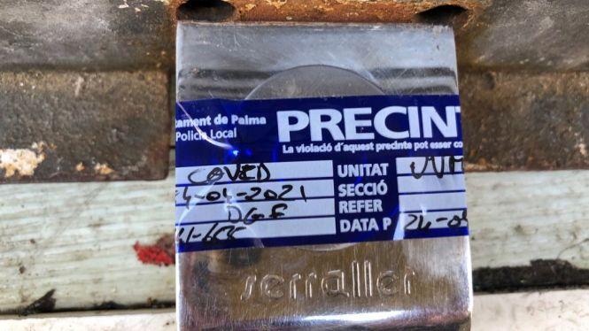 La+Policia+tanca+un+bar+de+Palma+per+incompliment+de+la+normativa+anticovid