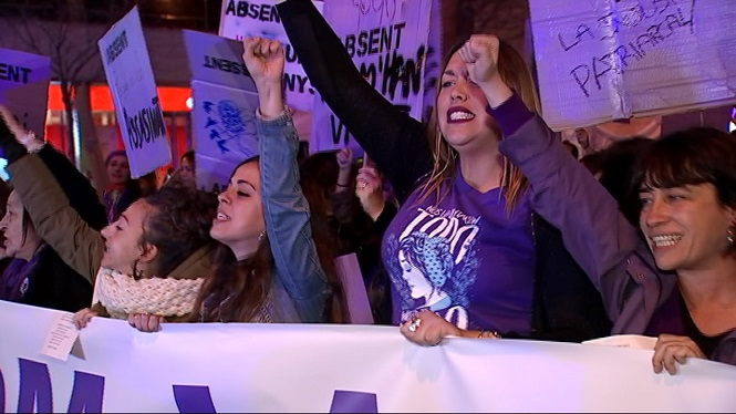 Els+partits+pol%C3%ADtics+reaccionen+a+les+manifestacions+del+8M