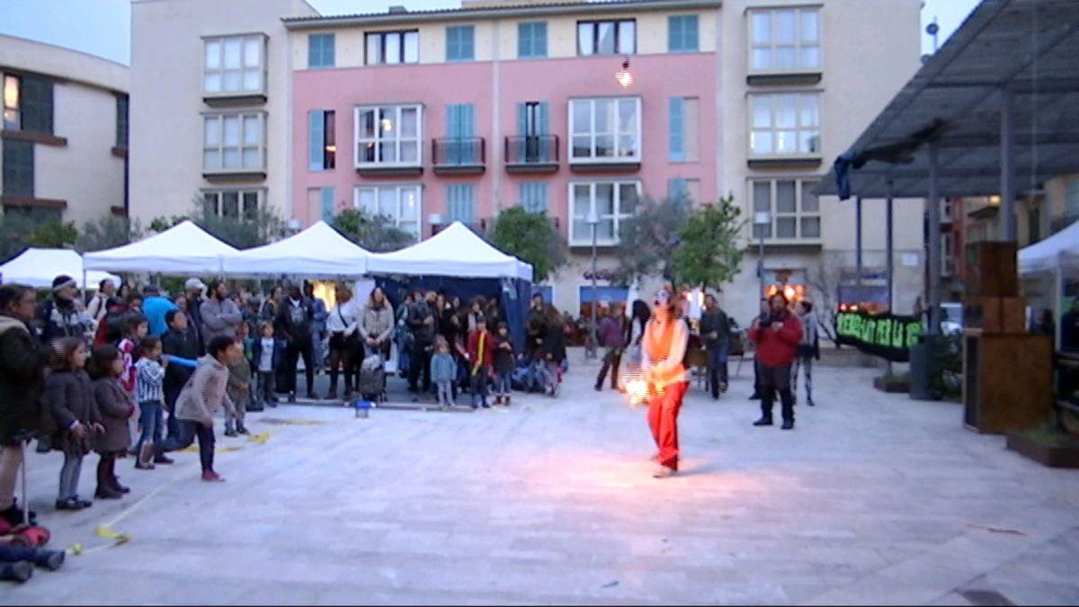 Les+Festes+Autogestionades+de+Sant+Sebasti%C3%A0+omplen+de+diversi%C3%B3+la+pla%C3%A7a+Raimundo+Clar