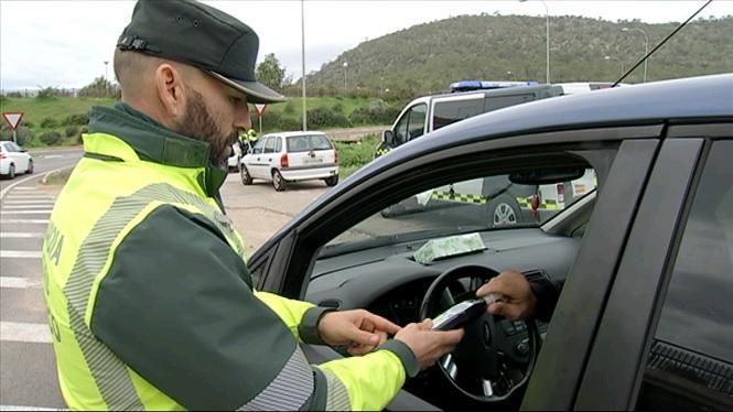 La+DGT+intensifica+els+controls+d%27alcohol+i+drogues+a+les+carreteres+de+Balears