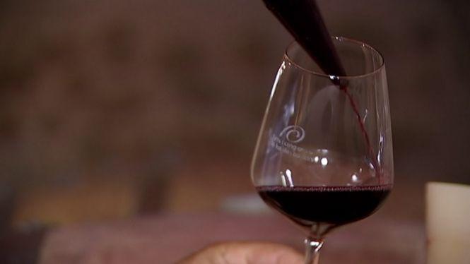 L%27OMS+adverteix+que+el+consum+d%27alcohol+no+protegeix+de+la+COVID-19
