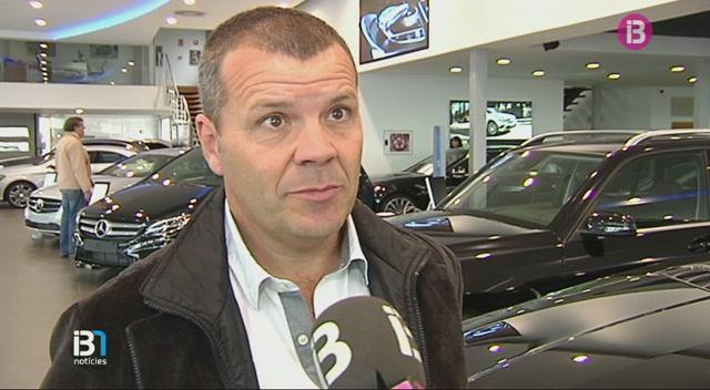 El+sector+de+la+venda+de+cotxes+tanca+l%27any+en+n%C3%BAmeros+verds