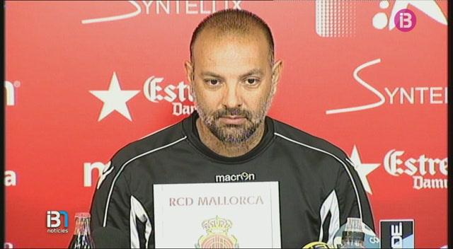 Pepe+G%C3%A1lvez%2C+assegura+que+no+ha+parlat+de+terminis+amb+la+nova+propietat+del+Mallorca