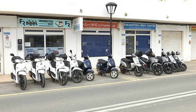 Les+empreses+de+lloguer+de+vehicles+de+Formentera+comencen+a+rebre+les+primeres+reserves