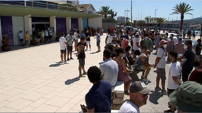 Un+centenar+d%27empresaris+i+treballadors+protesten+pel+tancament+del+West+End