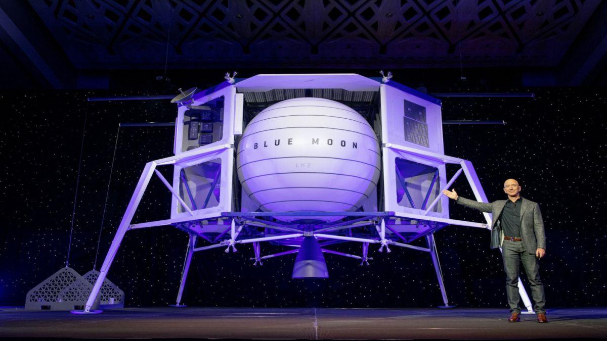 Bezos+presenta+la+nau+amb+qu%C3%A8+vol+que+l%27home+s%27instal%C2%B7li+a+la+Lluna+abans+del+2024