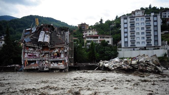 Turquia+passa+de+les+flames+a+les+inundacions