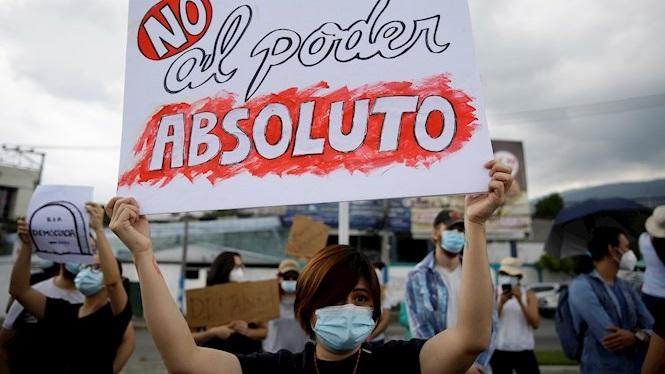 Preocupaci%C3%B3+per+la+crisi+al+Parlament+d%27El+Salvador