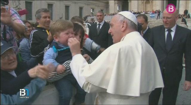 El+Papa+Francesc+accepta+estudiar+que+les+dones+puguin+ser+ordenades+diaques