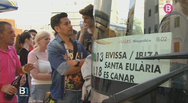 El+servei+d%27autobusos+d%27Eivissa+ja+t%C3%A9+l%27horari+d%27estiu