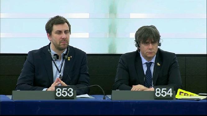 Puigdemont+i+Com%C3%ADn+ocupen+el+seu+esc%C3%B3+al+Parlament+Europeu