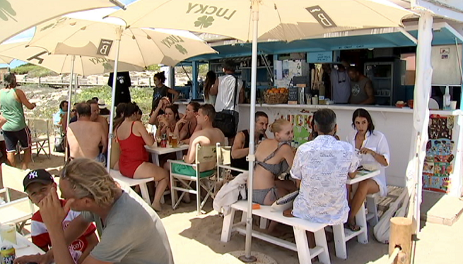 Un+mes+i+mig+d%27espera+per+passar+l%27ITV+a+Formentera