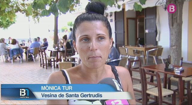 Patrulles+ve%C3%AFnals+per+combatre+l%27onada+de+robatoris+a+Eivissa