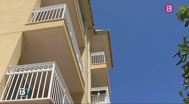 Detengudes+les+dues+dones+que+varen+ocupar+un+edifici+de+Cala+Rajada+i+despr%C3%A9s+en+varen+llogar+els+habitatges