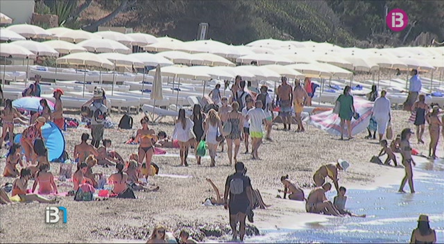 La+venda+ambulant+s%27ha+agreujat+en+algunes+platges+d%27Eivissa