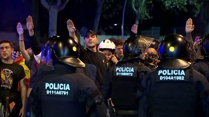 Una+manifestaci%C3%B3+antifeixista+coincideix+amb+una+de+la+ultradreta+a+Barcelona