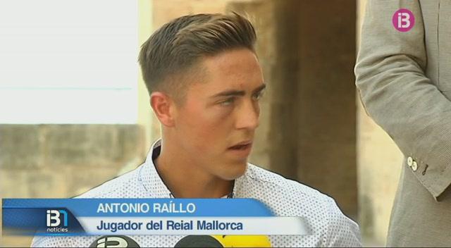 El+Mallorca+presenta+Ra%C3%ADllo+i+Santamar%C3%ADa+a+la+Seu