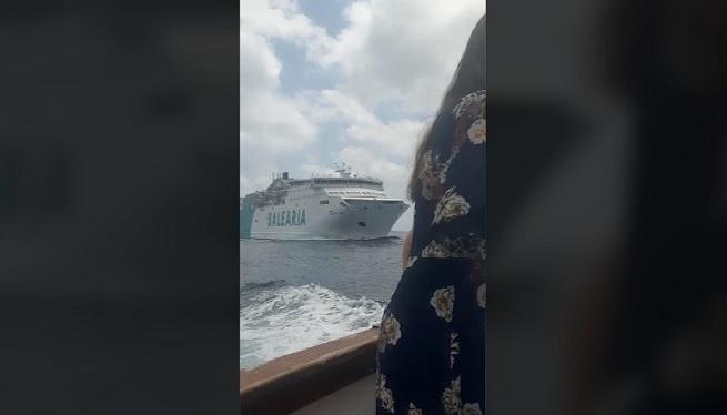 Ensurt+entre+dos+vaixells+enmig+dels+Freus