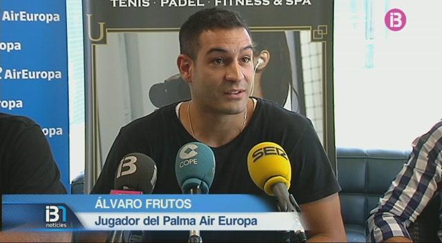 El+Palma+Air+Europa+presenta+el+base+%C3%81lvaro+Frutos