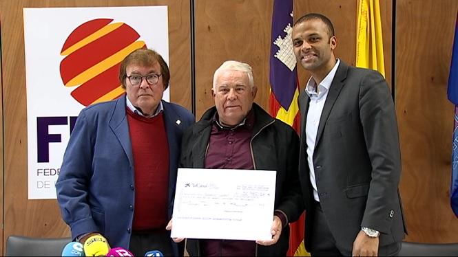 El+Mallorca+entrega+el+seu+xec+m%C3%A9s+solidari