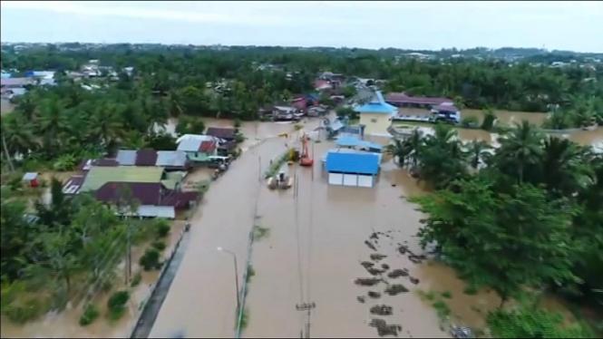 29+morts+i+desenes+de+desapareguts+per+les+inundacions+a+Indon%C3%A8sia