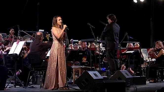 Un+miler+de+persones+assisteixen+al+Concert+de+la+Lluna+a+les+Vinyes