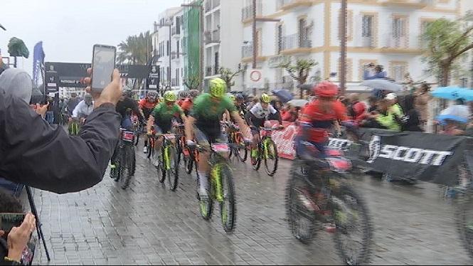 Comen%C3%A7a+la+Volta+a+Eivissa+en+mountain+bike
