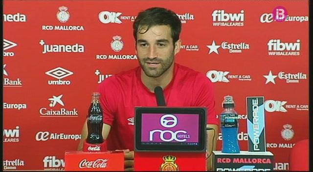 Continuen+les+mostres+p%C3%BAbliques+de+suport+dels+futbolistes+del+Mallorca+al+seu+entrenador