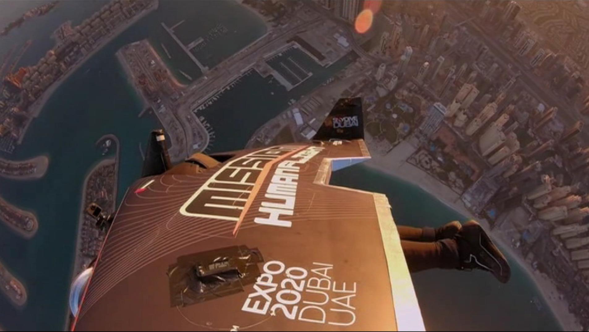 L%22home+ocell%27+sobrevola+Dubai+a+m%C3%A9s+de+240+quil%C3%B2metres+per+hora