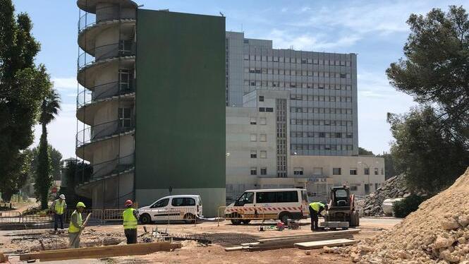 Les+obres+de+demolici%C3%B3+de+l%27antic+hospital+Son+Dureta+de+Palma+duraran+9+mesos