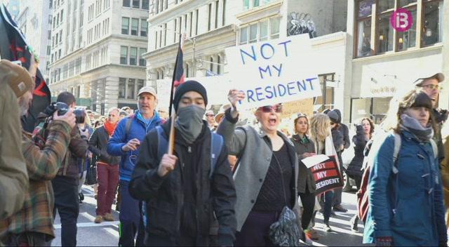 Continuen+les+protestes+contra+Donald+Trump