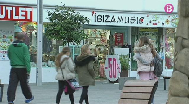 Eivissa+mant%C3%A9+6+vols+directes+a+ciutats+europees+i+70+establiments+oberts+durant+l%27hivern