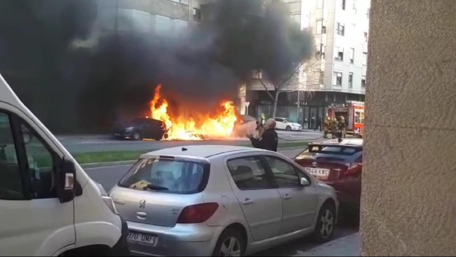 Tres+contenidors+i+un+cotxe+cremat+a+Palma+per+un+home+que+ja+est%C3%A0+detingut