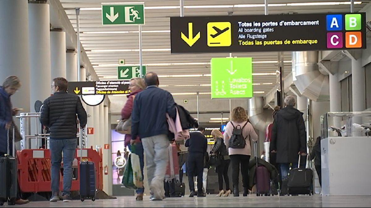Queixes+pels+retards+i+cancel%C2%B7lacions+a+Eivissa+perqu%C3%A8+no+compensen+als+passatgers