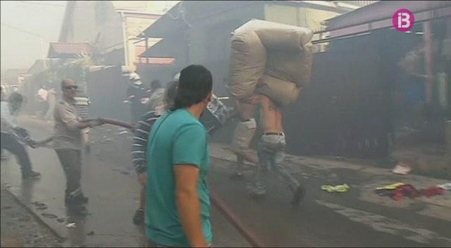 400+evacuats+i+200+habitatges+calcinats+en+un+incendi+a+Xile