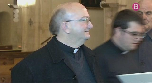 El+nou+bisbe+de+Menorca+assaja+a+la+Catedral+la+cerim%C3%B2nia+de+la+seva+ordenaci%C3%B3
