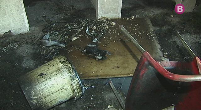 Els+bombers+d%27Eivissa+sufoquen+un+foc+a+una+casa+ocupada