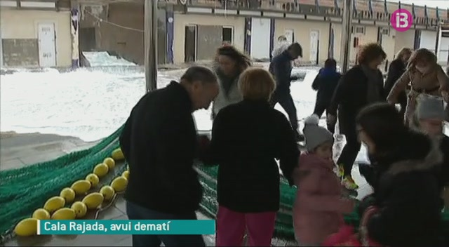 A+Cala+Rajada%2C+els+propietaris+de+les+barques+vigilen+intranquils+les+seves+embarcacions