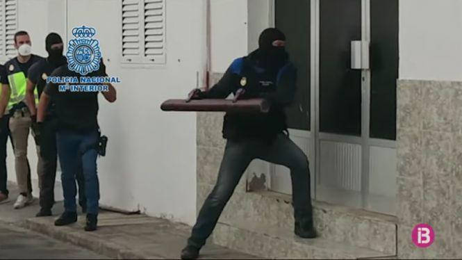 Un+detingut+a+Eivissa+per+traslladar+migrants+des+del+Marroc