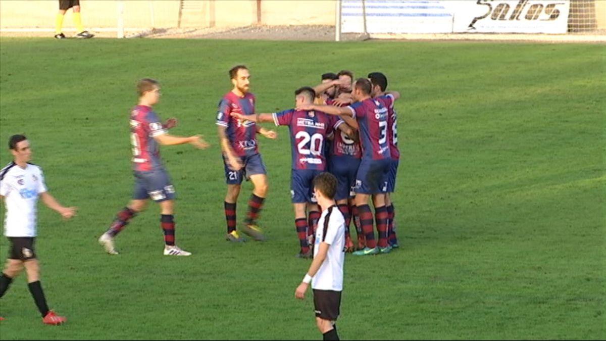 Poblense+i+Mallorca+B+agafen+dist%C3%A0ncia+al+capdavant+de+la+lliga